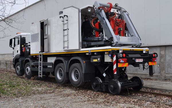FBW Machine CR80 on Rail-Road Truck